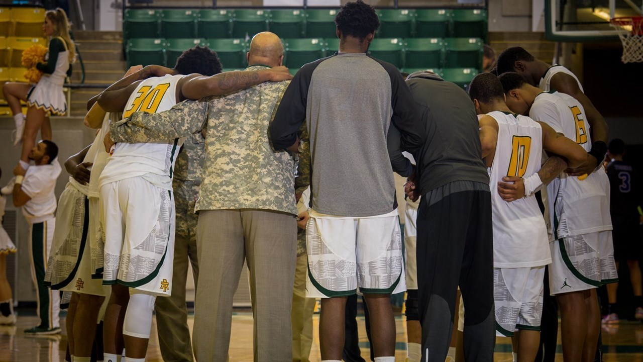 ATU Team Huddle vs. OBU 2-11-16